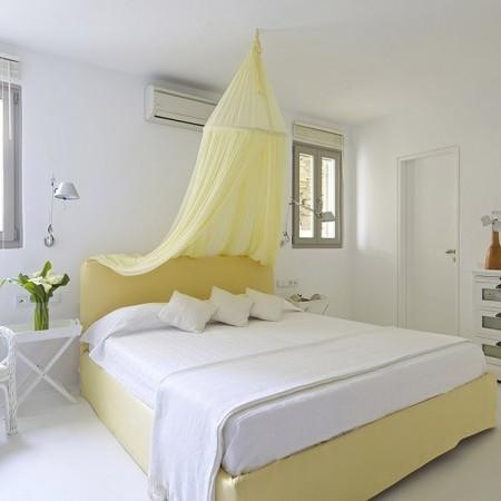 villa daphne master bedroom