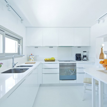 villa daphne kitchen