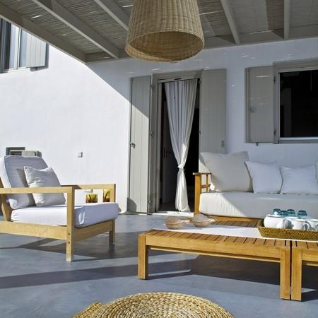 villa daphne outdoor lounge