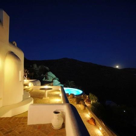 Mykonos villa Garnet exterior