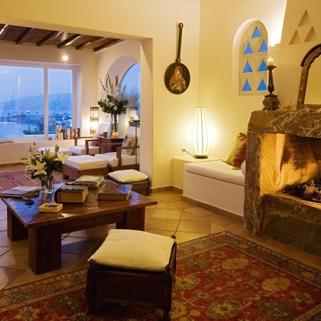 villa harmony living room