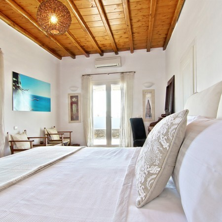 double bedroom Villa Lea