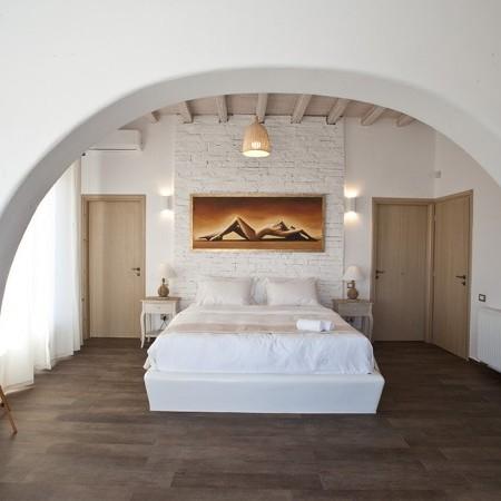 villa marbella master bedroom