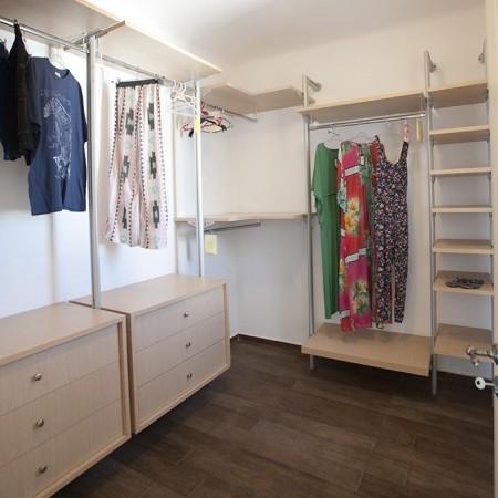 walk-in closet wardrobe