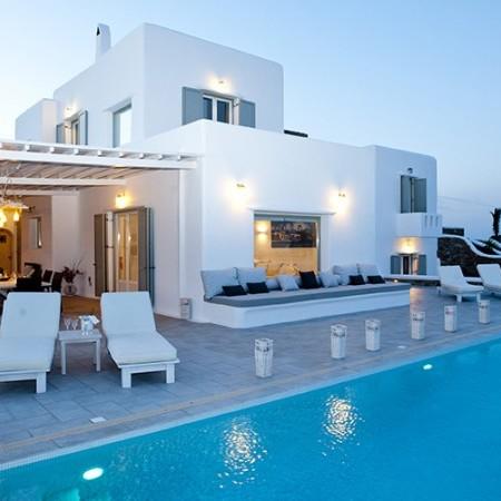 villa marbella night