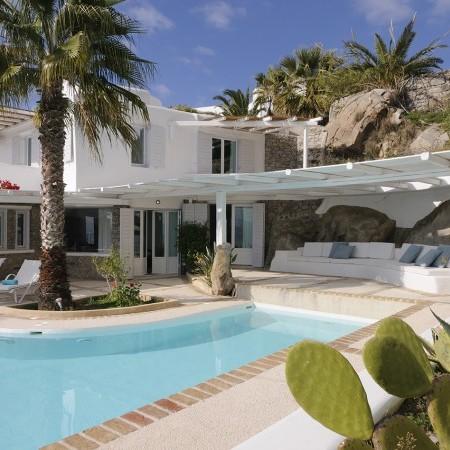 mykonos luxurious villa