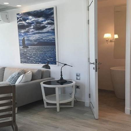 psarou beach villa mykonos