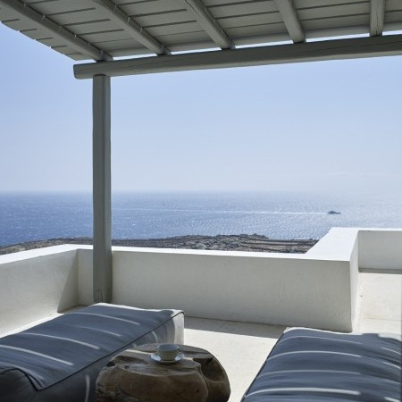 private balcony veranda
