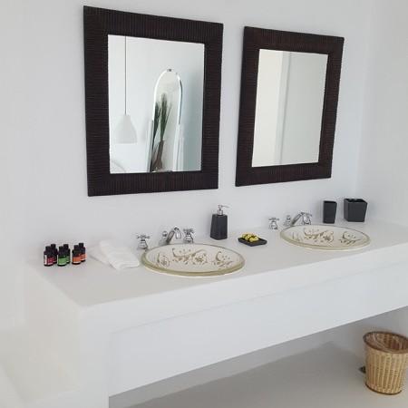 oasis retreat double bathroom