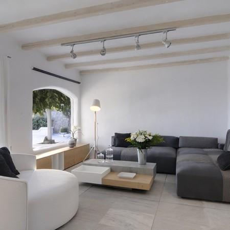 Villa Palm Cove living room