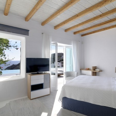 main living room Villa Palm Cove