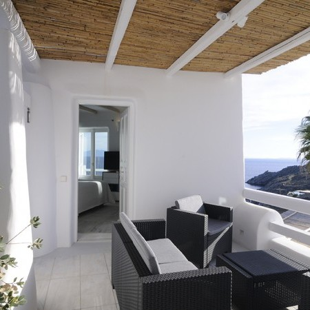 Villa Palm Cove veranda