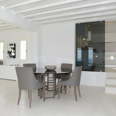 villa kitchen dining
