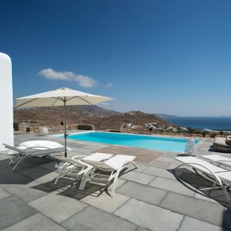 Mykonos luxury villa pool