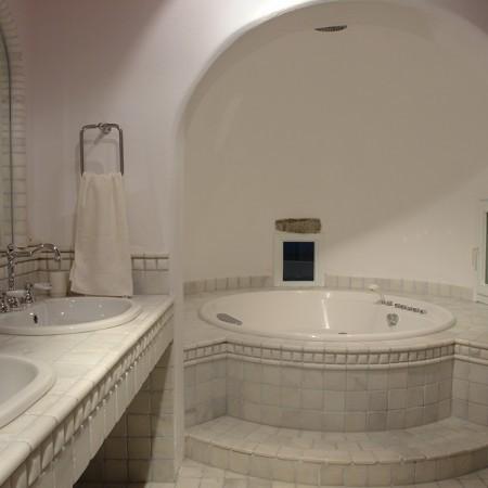 marble bathroom at luxury villa Secret of Mykonos
