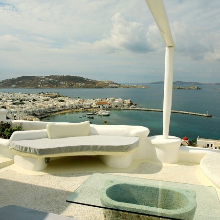 white pearl outdoor lounge