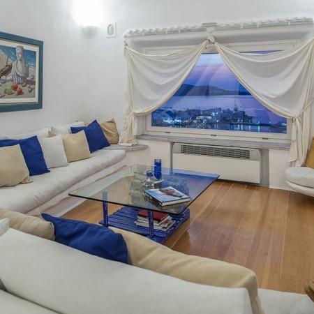 white pearl living room