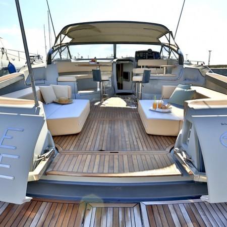 43 ft charter yacht
