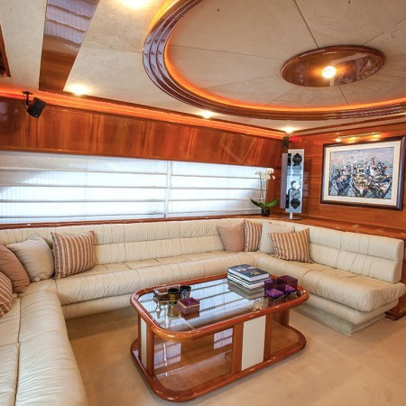 ferretti yacht salon