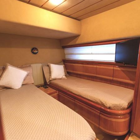 twin cabin ferretti 80