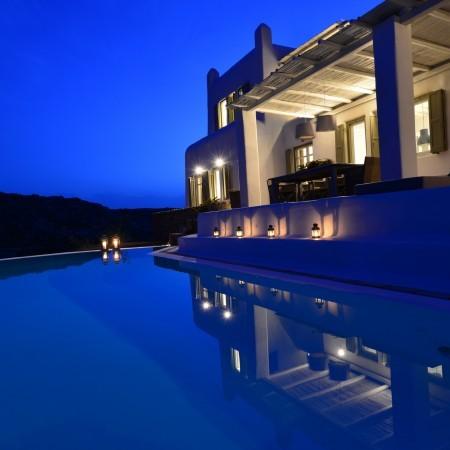 villa Afitis night pool