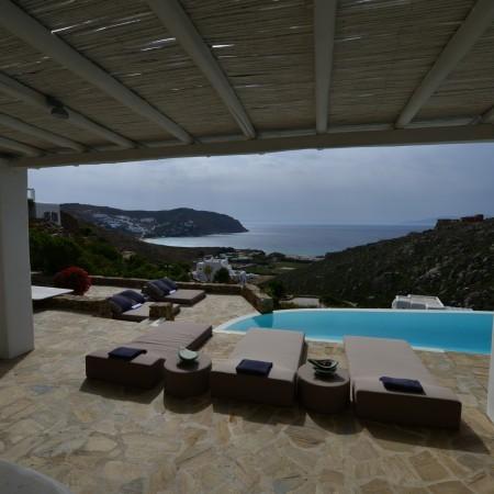 villa afitis view