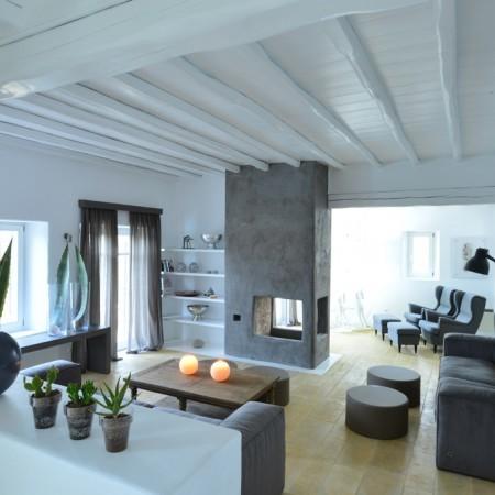 villa Afitis living room