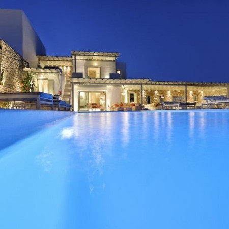 Villa Sky outdoor pool light night