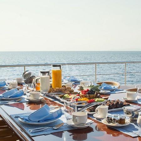 o Natalia yacht exterior
