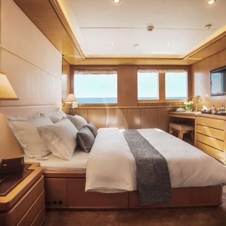 oasis yacht cabin