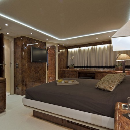 Obsesion yacht cabin