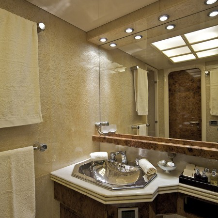 Obsesion bathroom