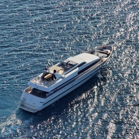 Obsesion Yacht Charter