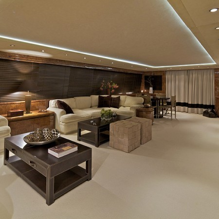 Obsesion yacht charter salon
