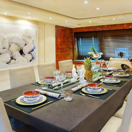 Obsesion interior dining area