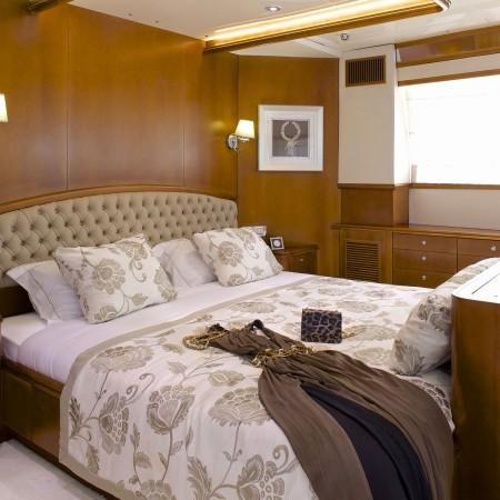 Oleanna Superyacht cabin