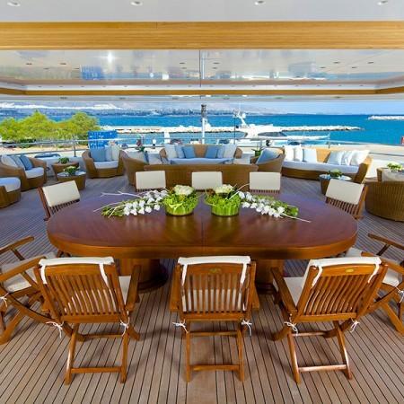 Deck dining omega