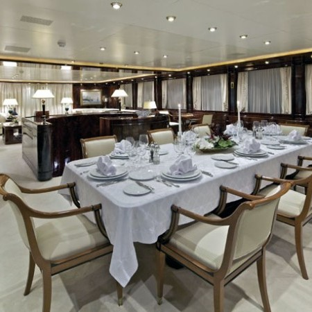o'rion yacht indoor living