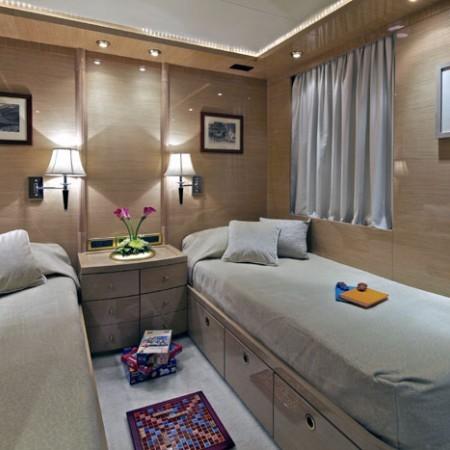 o'rion yacht twin cabin