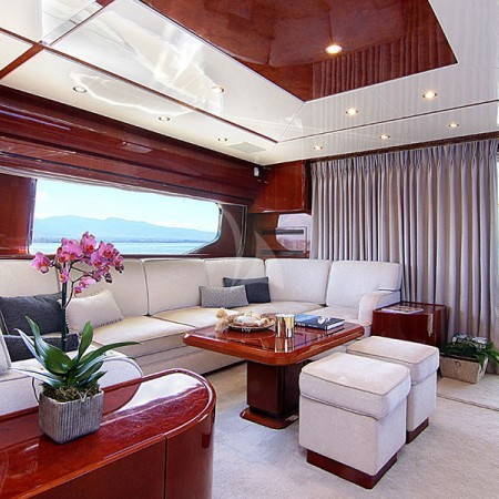 pareaki yacht salon