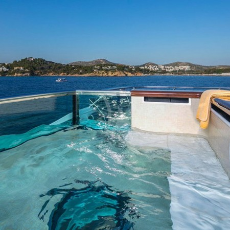 pegasus yacht jacuzzi