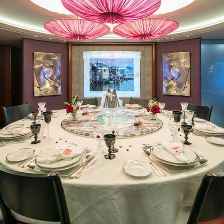 pegasus yacht dining