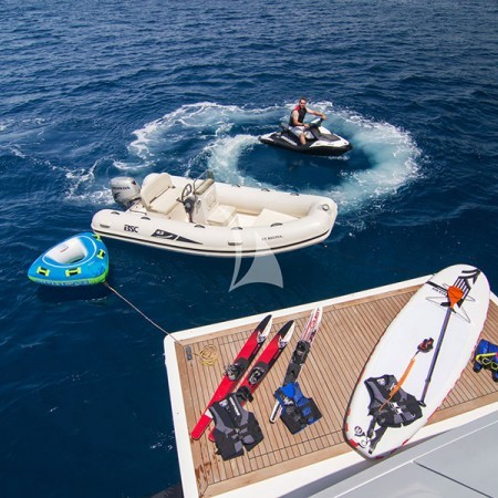 regina k yacht water toys