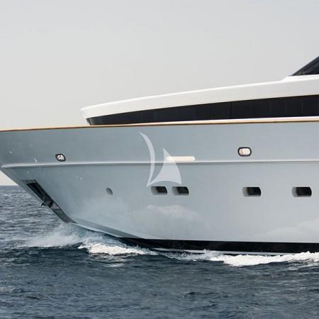 luxury yachting greece