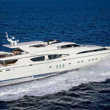 Rini V motor yacht