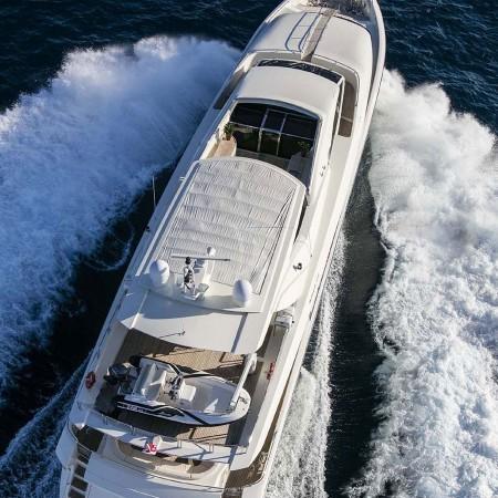 Rini motor yacht