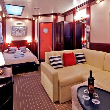 Mykonos sailing yacht