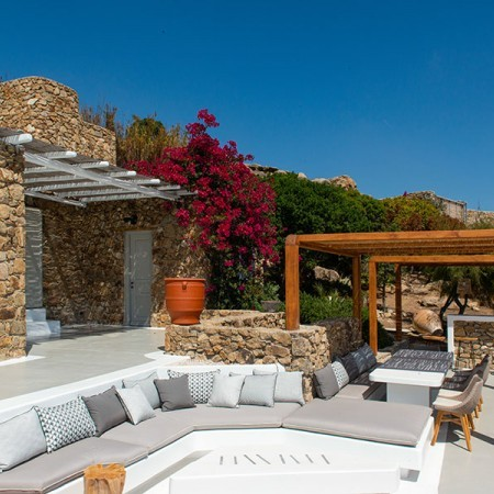 outdoor sitting area built in sofa