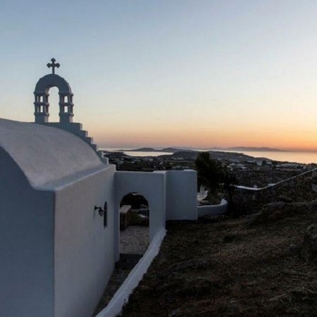 villa for rent with a chapel in Mykonos
