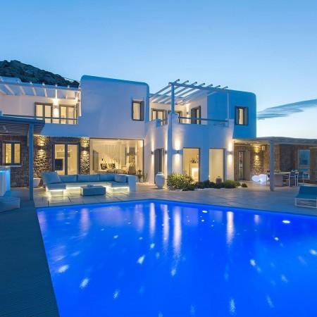 luxury villa in Mykonos